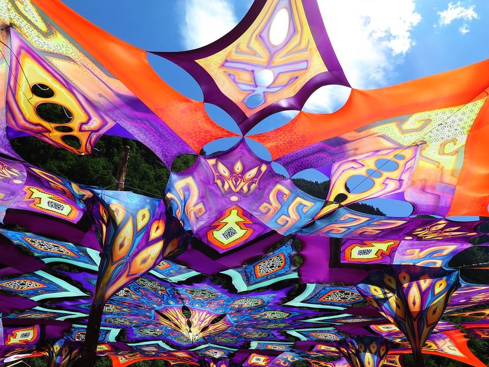 Source de l'image : pixabay.com/fr/sommerfest-festival-2545191/. CCO
